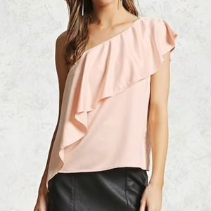 💕 NWT Forever 21 One Shoulder Flounce Top